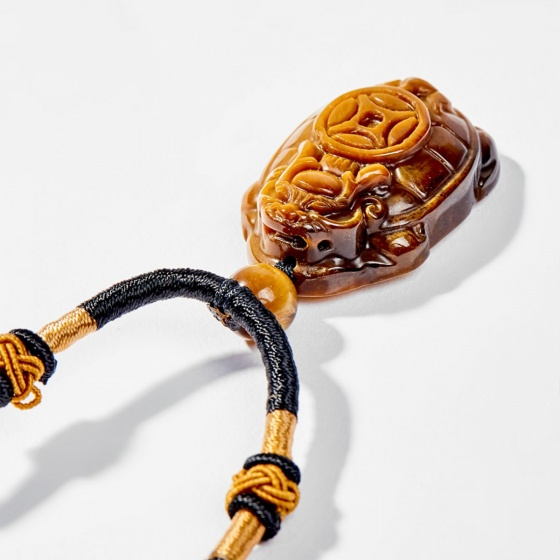 Dây chuyền phong thủy đá mắt hổ mặt long quy 3.2cm mệnh thổ , kim - Ngọc Quý Gemstones