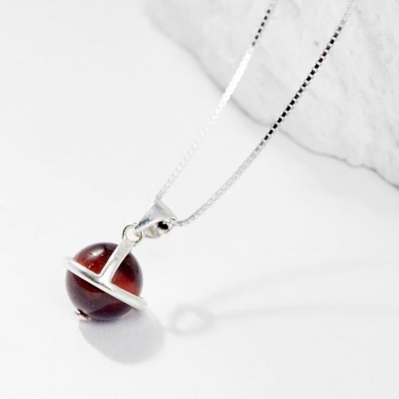 Dây chuyền đá Garnet 1 hạt 8mm - Ngọc Quý Gemstones