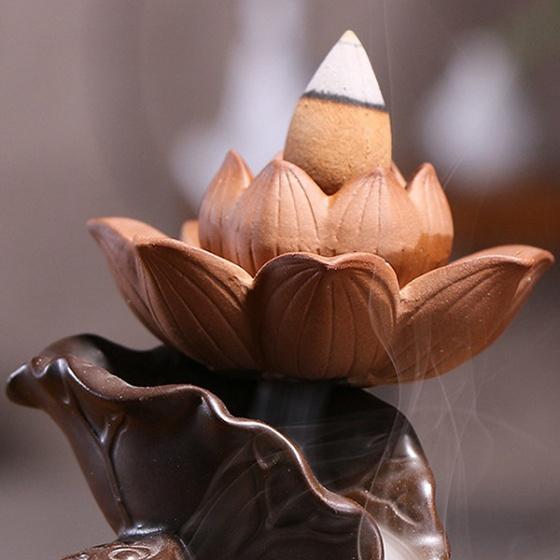 Thác khói hồ điệp - tặng kèm 10 nụ búp sen trầm hương - nhang thiền