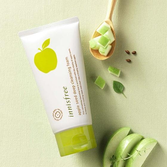 Sữa rửa mặt táo xanh Innisfree Apple Juicy Deep Cleansing Foam