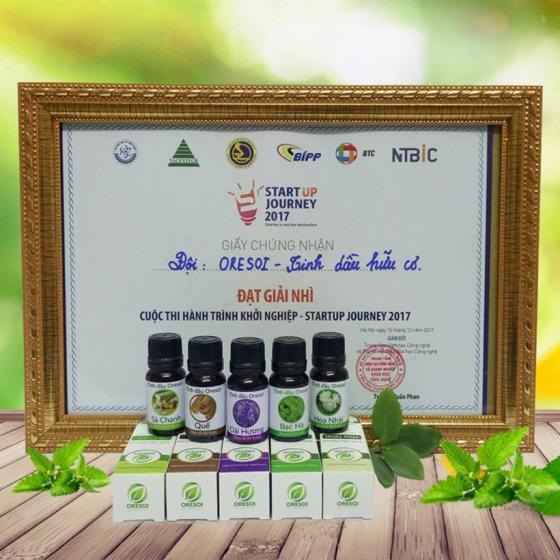 Combo đèn xông tinh dầu thủy tinh cao cấp và 01 lọ tinh dầu oải hương hữu cơ Oresoi 10ml [QC-Vneshop]