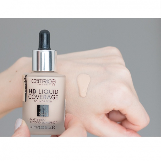 Kem nền Catrice HD Liquid Coverage Foudation Lasts Up To 24H - Tone 10 Light Beige