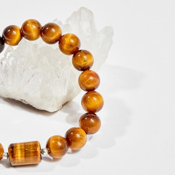 Vòng tay phong thủy nữ đá mắt hổ charm vuông 8mm mệnh thổ, kim - Ngọc Quý Gemstones