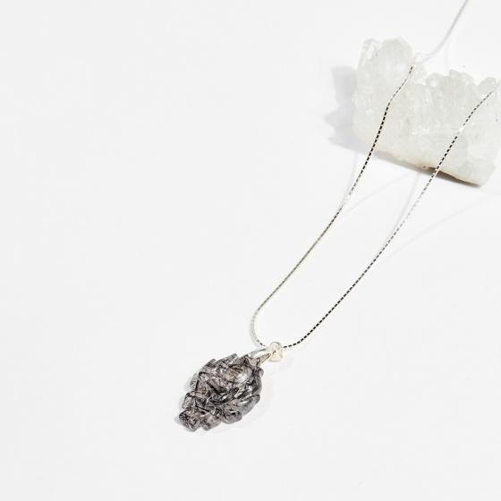 Mặt dây chuyền phong thủy đá thạch anh tóc đen nữ hoàng hồ ly 2.5cm mệnh thủy, mộc - Ngọc Quý Gemstones