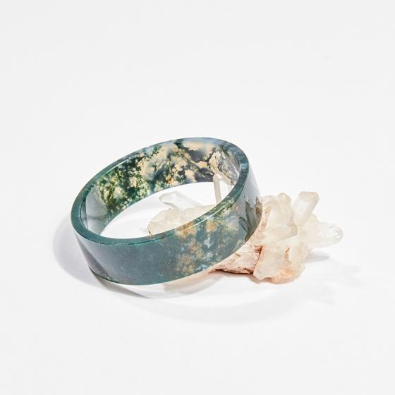 Vòng tay phong thủy đá băng ngọc thủy tảo 5.5cm mệnh hỏa, mộc, thổ - Ngọc Quý Gemstones