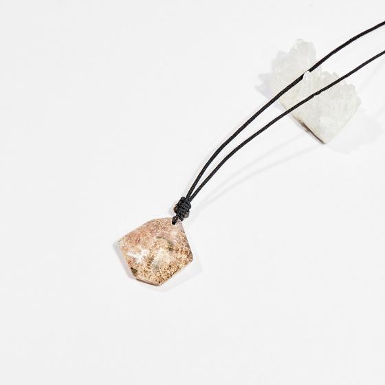 Dây chuyền phong thủy đá thạch anh ưu linh rêu nâu 3cm mệnh hỏa, mộc - Ngọc Quý Gemstones