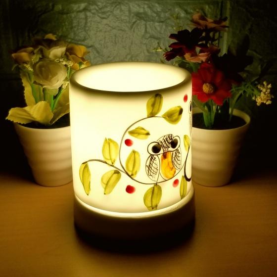 Đèn xông tinh dầu gốm bát tràng dáng ống tặng 01 tinh dầu 10ml (mùi tự chọn) và 01 bóng đèn dự phòng (ON07)