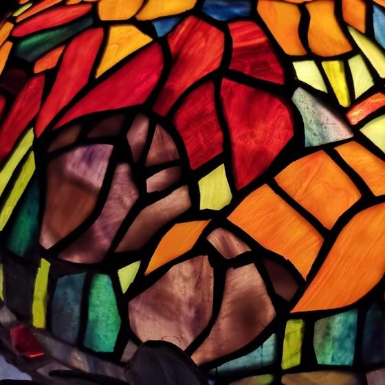 Đèn bàn trang trí Tiffany chao 38 hoa Tulip
