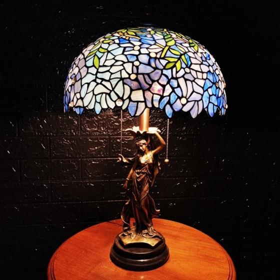 Đèn bàn trang trí Tiffany 40 chân tiên nữ đồng