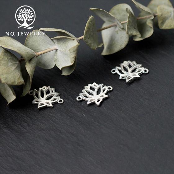 Charm bạc khóa liên kết vòng hình hoa sen