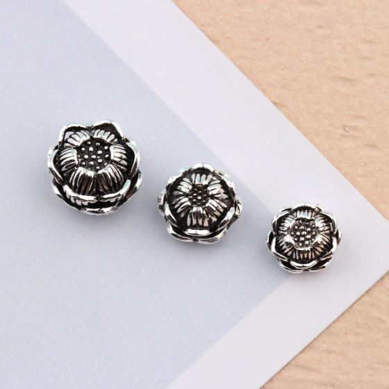 Charm bạc hình hoa sen xỏ ngang 8.5mm