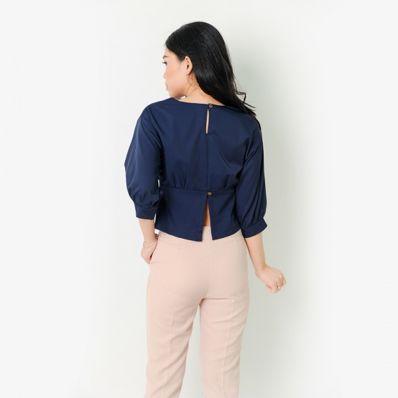 Áo kiểu thời trang Eden dáng ngắn phối nút màu xanh đen - ASM048