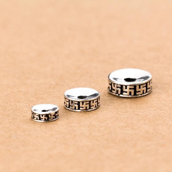 Charm bạc chặn hạt họa tiết chữ vạn 10mm