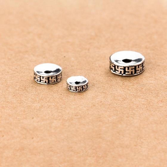 Charm bạc chặn hạt họa tiết chữ vạn 6mm