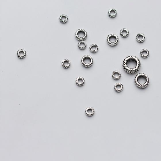 Charm bạc chặn hạt họa tiết 8mm