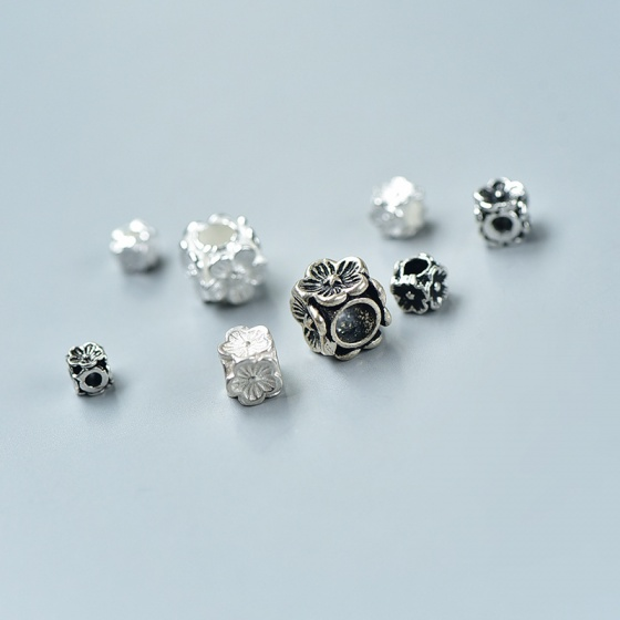 Charm bạc chặn hạt hình vuông hoa 4 mặt 4x4x4mm