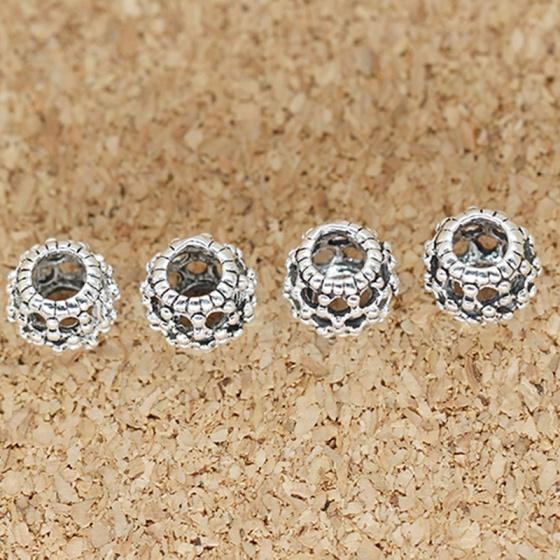 Charm bạc xỏ ngang hình hoa văn 6mm