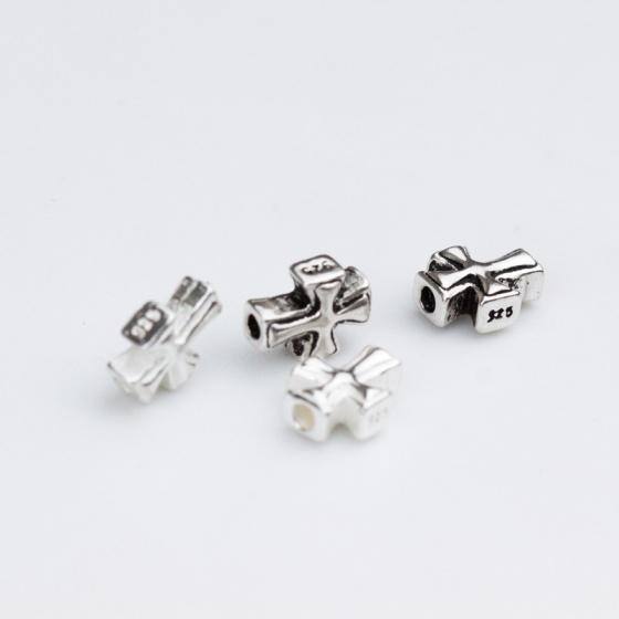 Charm bạc thánh giá sỏ ngang kiểu 2 (bạc thái)