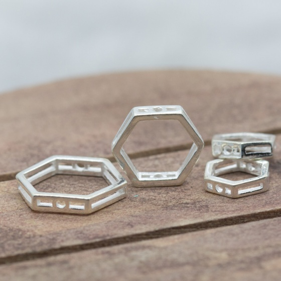 Charm bạc hình lục giác rỗng 10mm