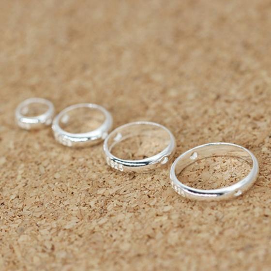 Charm bạc vòng viền tròn hạt đính giữa 4