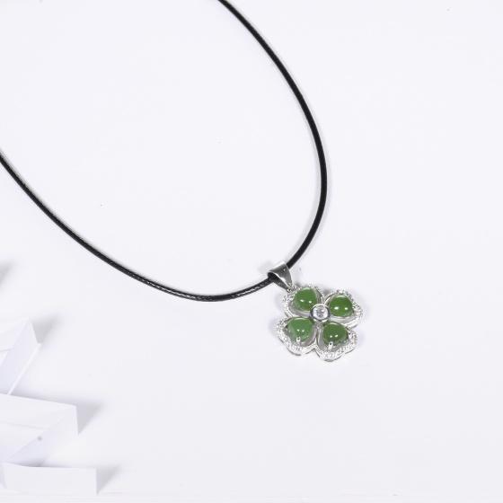 Mặt dây chuyền cỏ 4 lá đá ngọc bích mệnh hỏa, mộc - Ngọc Quý Gemstones