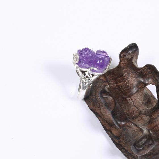 Nhẫn bạc tỳ hưu đá thạch anh tím ni 17 mệnh hỏa, thổ - Ngọc Quý Gemstones