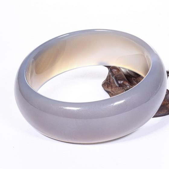 Vòng tay đá mã não lông chuột đậm liền khối bản hẹ trung ni 58 mệnh kim, thủy - Ngọc Qúy Gemstones