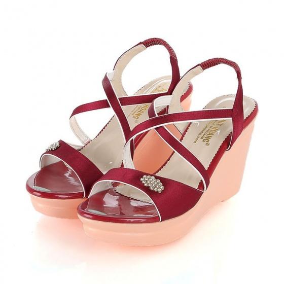 Giày nữ Huy Hoàng màu đỏ HV7065