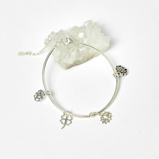 Lắc bạc charm hoa văn - Ngọc Quý Gemstones