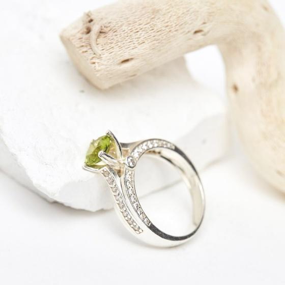Nhẫn bạc đá đá peridot mệnh mộc hỏa - Ngọc Quý Gemstones