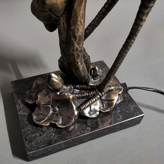 Đèn bàn trang trí Tiffany khổng tước đồng cao cấp