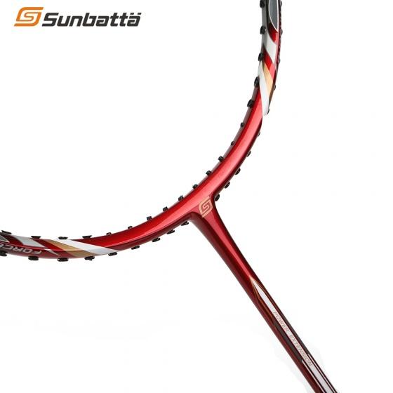 Bộ sản phẩm 1 Vợt cầu lông BRAVE 600 và 1 Áo Sunbatta SMT 635 màu bất kì