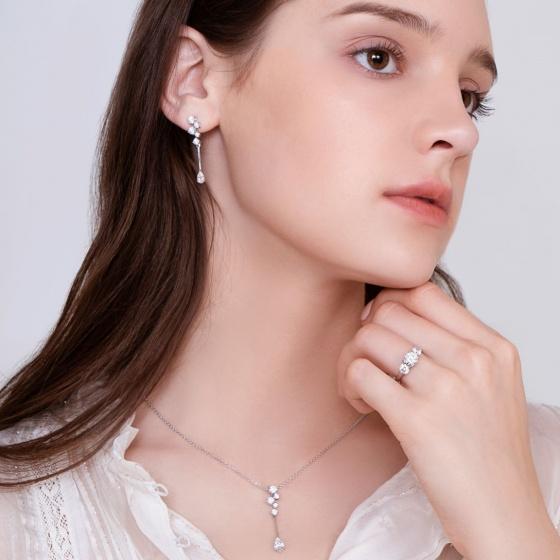 Hoa tai Glamour Star Jadmire bạc 925 cao cấp mạ Platinum đính đá Swarovski trắng