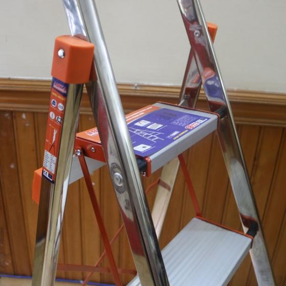 Thang ghế inox 4 bậc nhôm Ameca AMG-4IN tải trọng 150kg