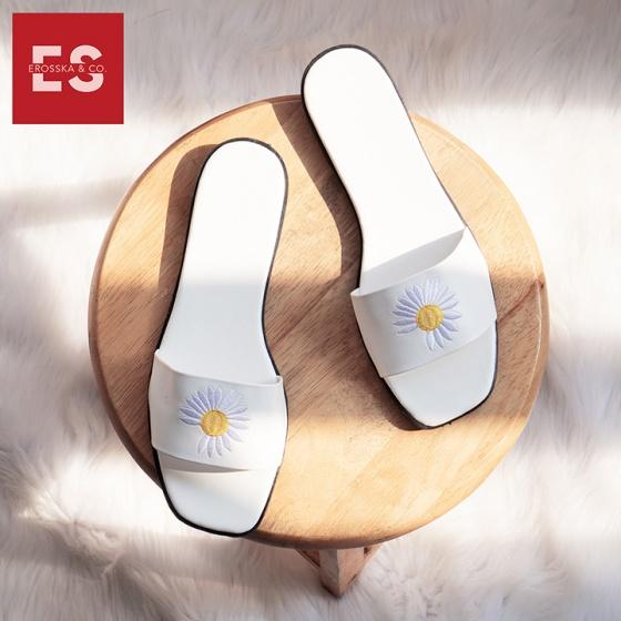 Dép nữ thời trang Erosska quai ngang phối họa tiết hoa cúc kiểu dáng đơn giản cao 2cm DE017 (màu trắng)