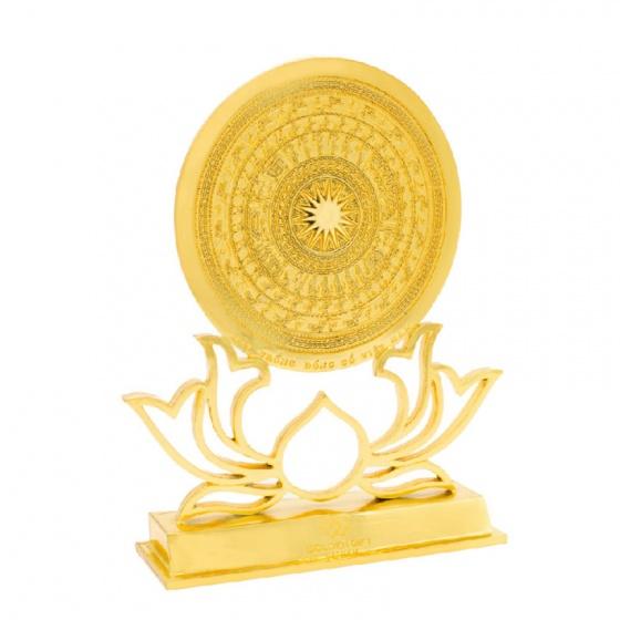 Mặt trống đồng trên giá đỡ hoa sen mạ vàng 24K