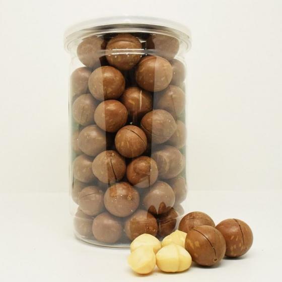Hạt macca Úc nứt vỏ Smile Nuts hộp 500g - kèm dụng cụ tách vỏ