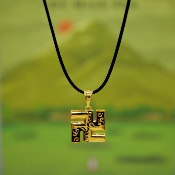 Mặt dây chữ Vạn vàng 24k DOJI FP60695
