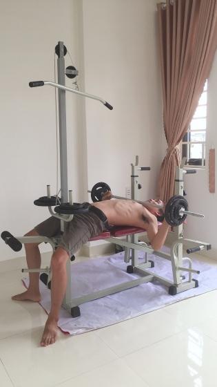 Giàn tạ đa năng  kèm 50kg tạ gang , đòn tạ 1m5