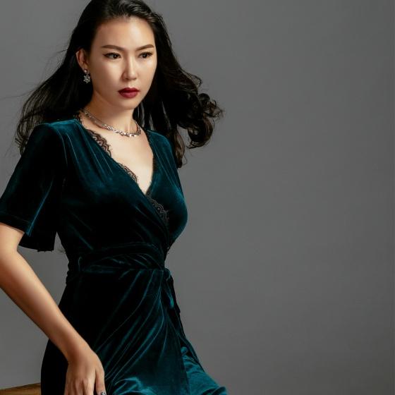 Đầm nhung thời trang thiết kế Hity DRE101 phối ren (xanh hunter)