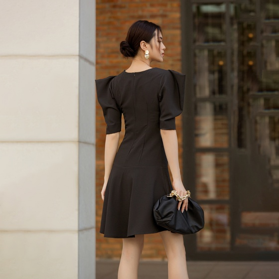 Váy đầm nữ thời trang Eden đuôi cá tay cách điệu - D422