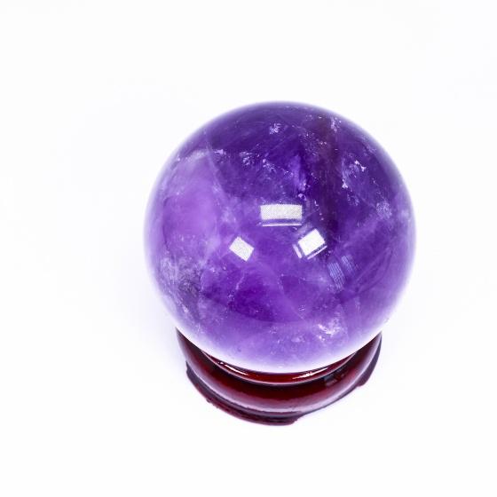 Quả cầu đá thạch anh tím đường kính khoảng 35mm mệnh hỏa. thổ - Ngọc Quý Gemstones