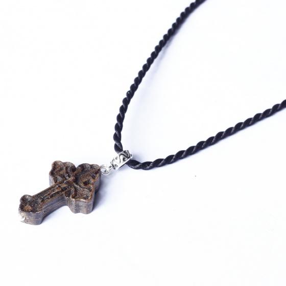 Mặt dây chuyền thánh giá gỗ trầm hương - Ngọc Quý Gemstones