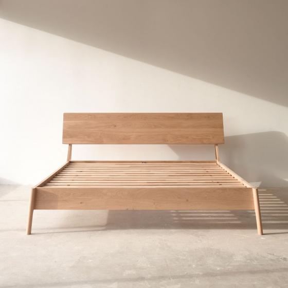 Giường đôi Shrub gỗ sồi 1m8