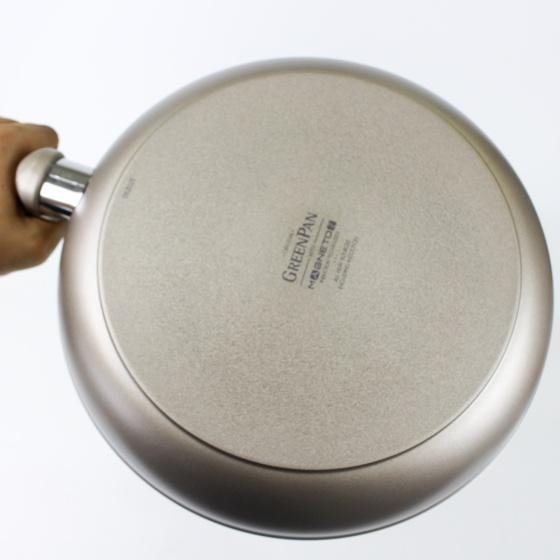 Chảo chống dính lòng cạn 24cm (tặng sạn chịu nhiệt) GreenPan - Vương Quốc Bỉ