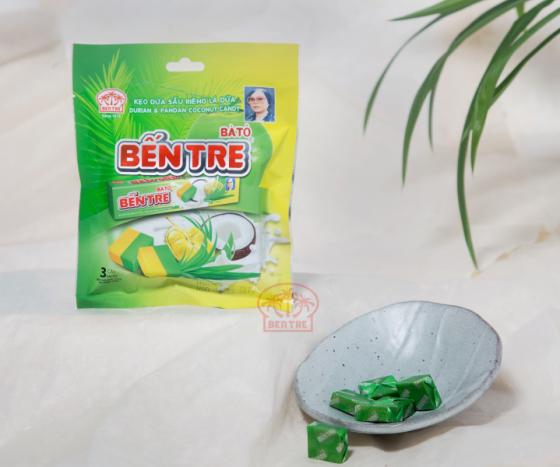 03 Thanh kẹo dừa hiệu Bà Hai Tỏ Bến Tre - vị Sầu riêng lá dứa (mỗi thanh 10 viên)